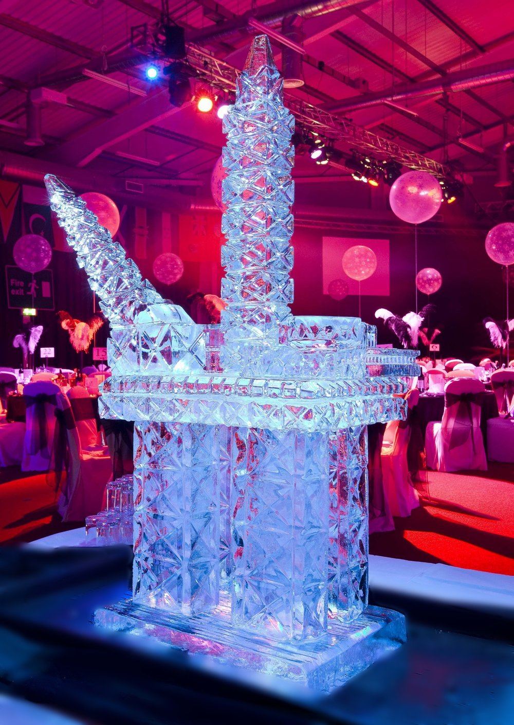 ICE CARVING OIL RIG LUGE - GLASGOW