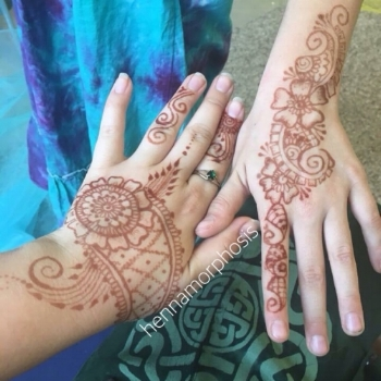 friends_family_henna_hands