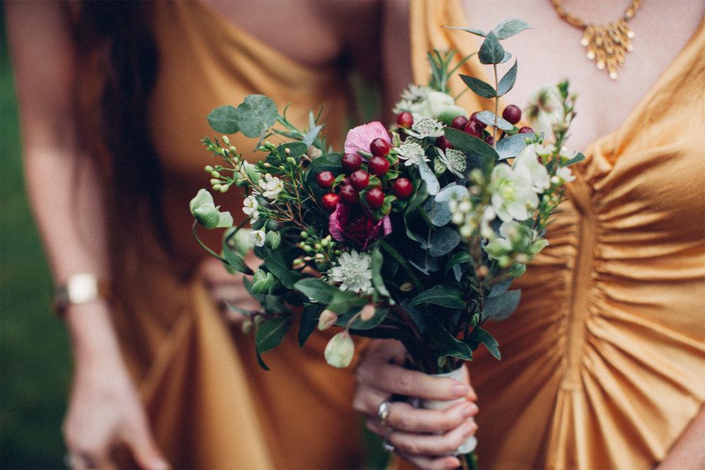 Keepsake Weddings Keepsake wedding photography - Bridesmaids dress bridesmaid bouquet