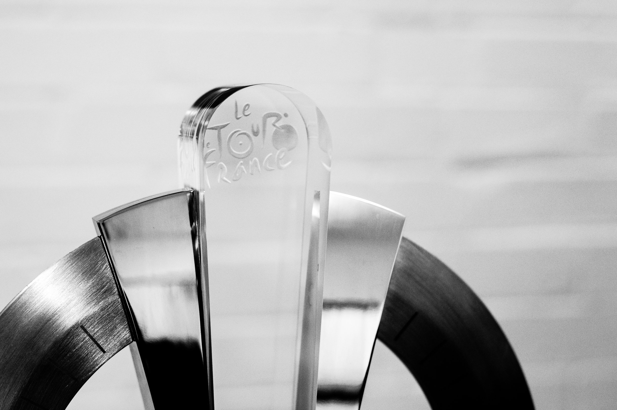 Made of stainless steel and glass, the trophy is worth approximately €4000. 1/250th sec @ f/2.8, ISO 640 (Nikkor 50 mm f/1.8)