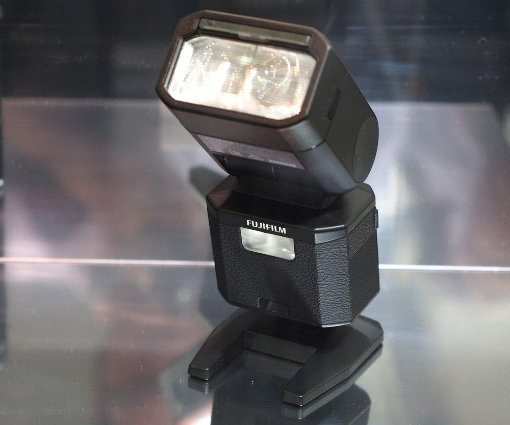 Fujifilm-X500-Flashgun-1_1452846236