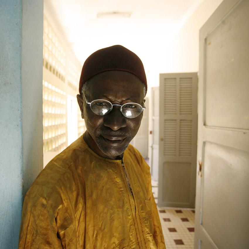 Portrait de Adama Sylla, photographe de Saint-Louis