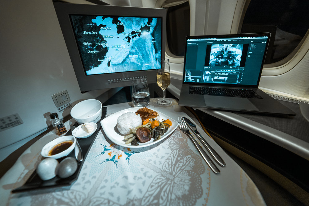 Business Class Dinner Service