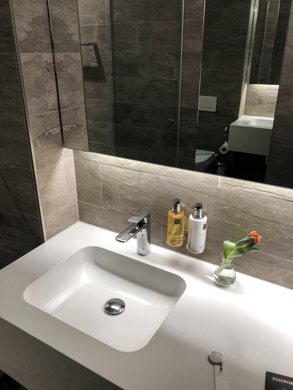Swiss Business Class Lounge bathroom in Zurich