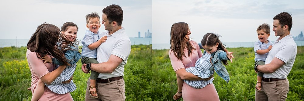 candid chicago family session chicago family photographers.jpg
