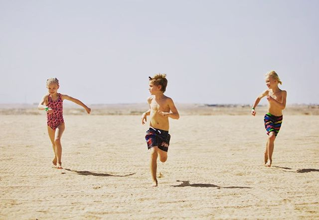 We've traveled the world and stayed at expensive and luxury resort. But it all comes down to this. The children laughing. The wind in the hair. The warm sand underneath your feet. Freedom. Resting. Healing. Togetherness. You don't need no fancy resort for that. #love #desert #familyfirst