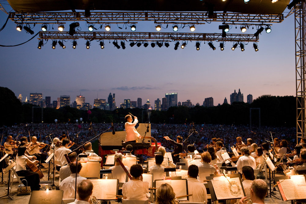 In 2008, a year before beginning his tenure, Alan Gilbert led the Concerts in the Parks for the first time, conducting a program that featured Lang Lang in Tchaikovsky's Piano Concerto No. 1, with an estimated crowd of 63,000 packing Central Park's Great Lawn.