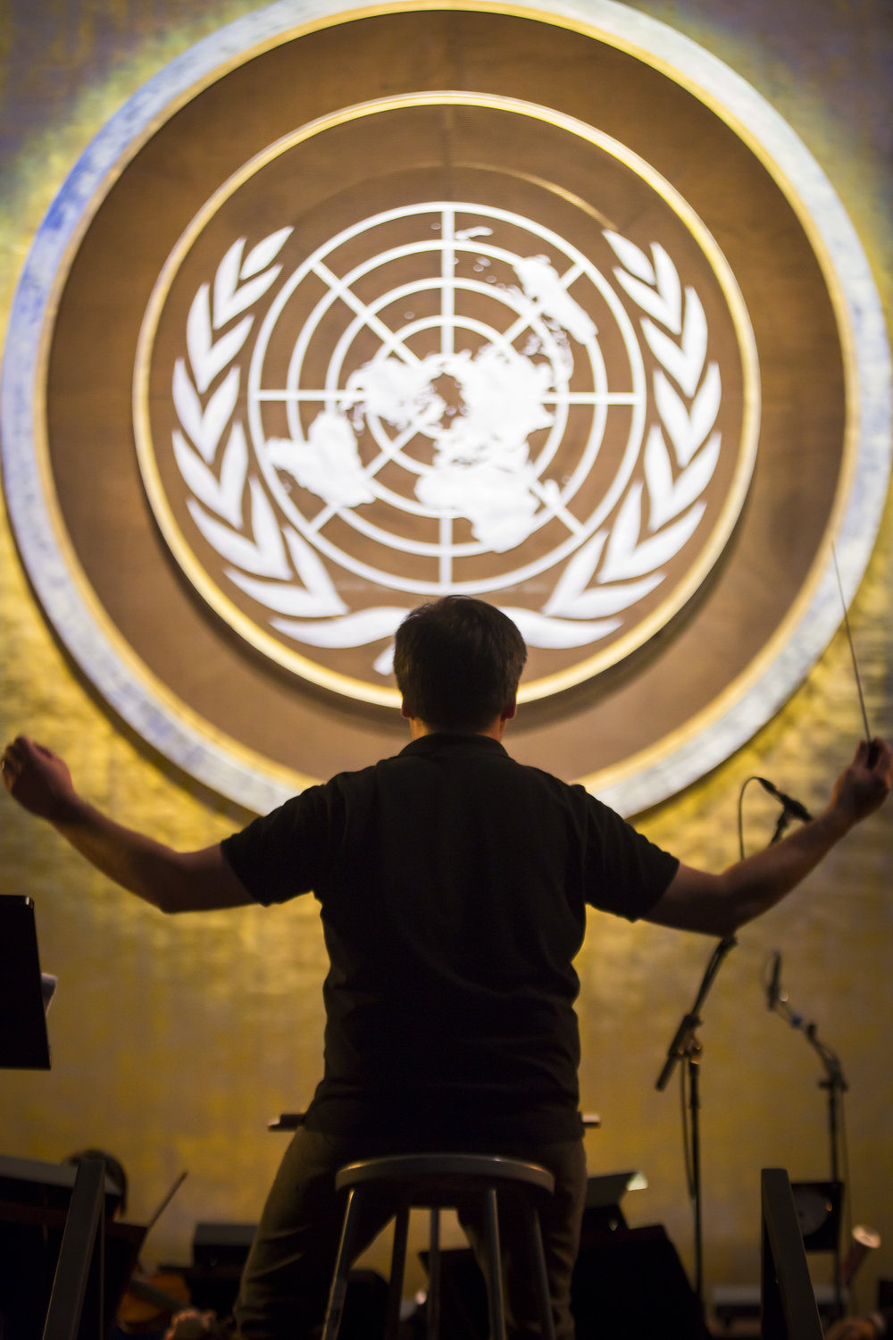 Alan Gilbert in rehearsal with the Philharmonic at the United Nations in December 2016