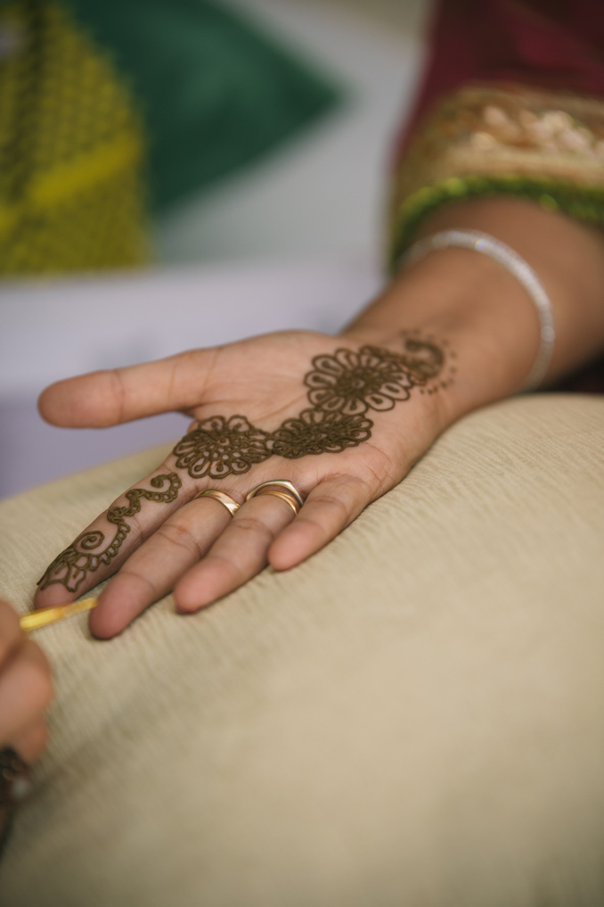 Bride gets Mehndi at wedding in Riviera Maya