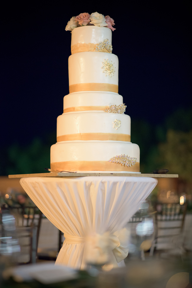 Wedding cake at luxury destination wedding in Fairmont Mayakoba, Riviera Maya, Mexico