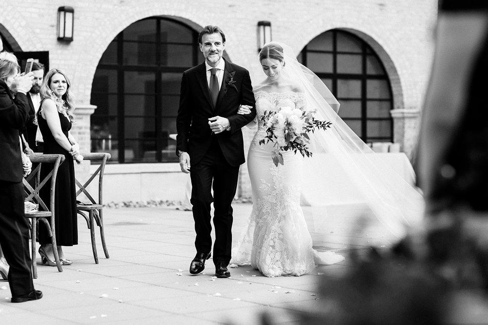 Romantic documentary wedding photography in Chicago