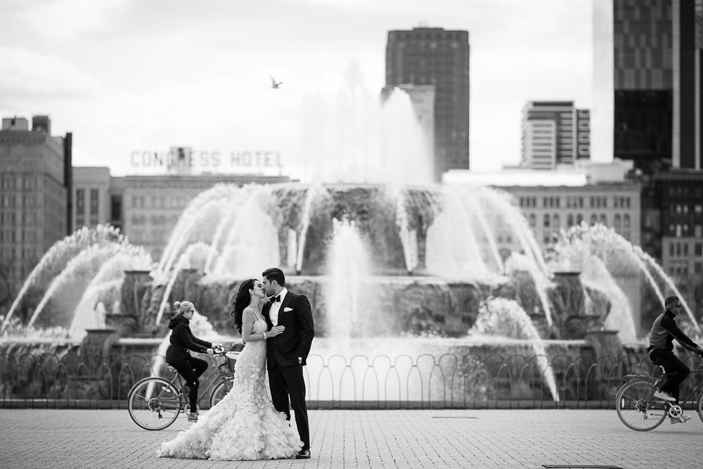 You could call this a guide to wedding photo locations in Chicago since we hit so many great spots near each other right in the heart of the city! Check out these photos to see the best spots for wedding photography in the South Loop.