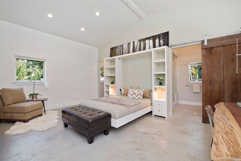 8. Master bedroom.jpg