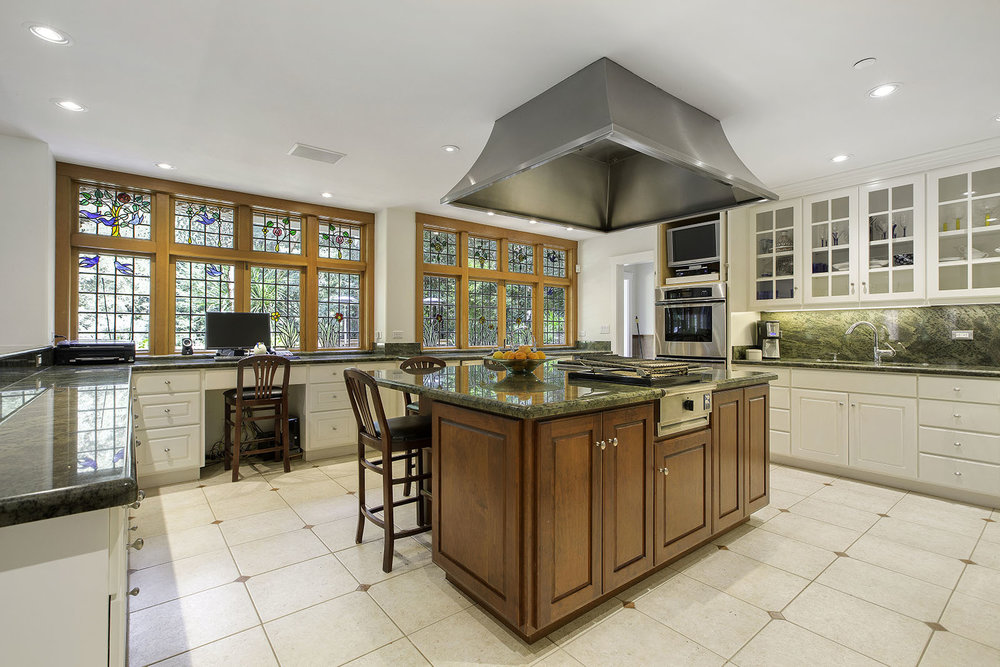 5. Kitchen island to windows.jpg