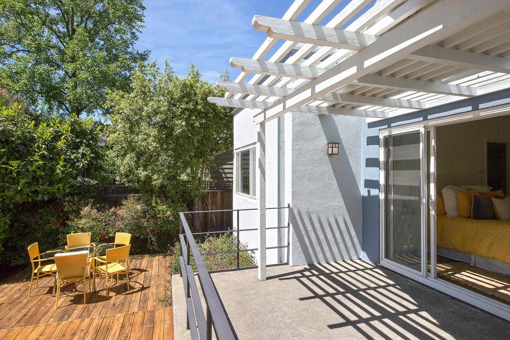 BR3 - 2 patio.jpg