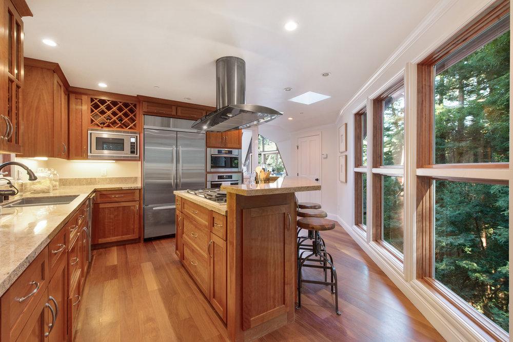 Kitchen - island windows.jpg