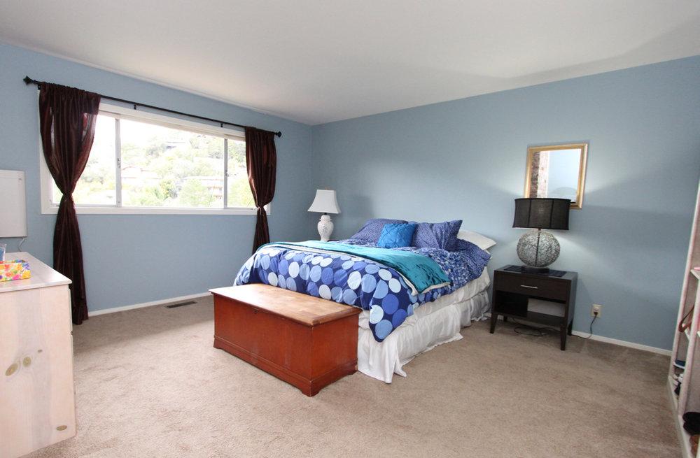 BR downstairs-bedroom.jpg