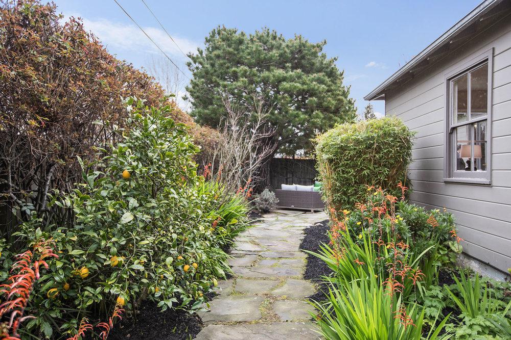 Ext garden path.jpg