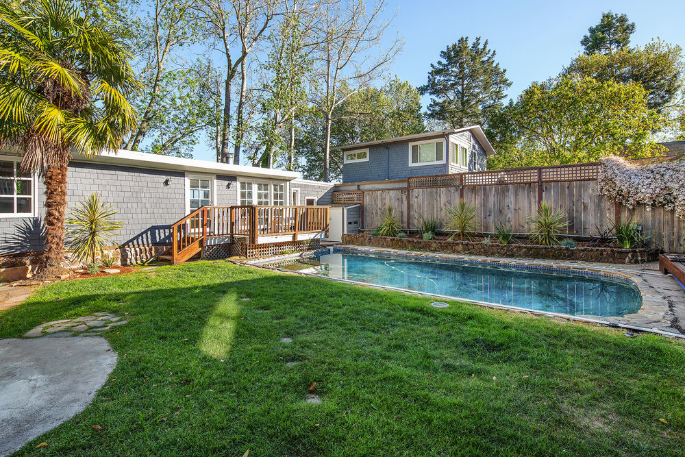 Pool yard to back house.jpg