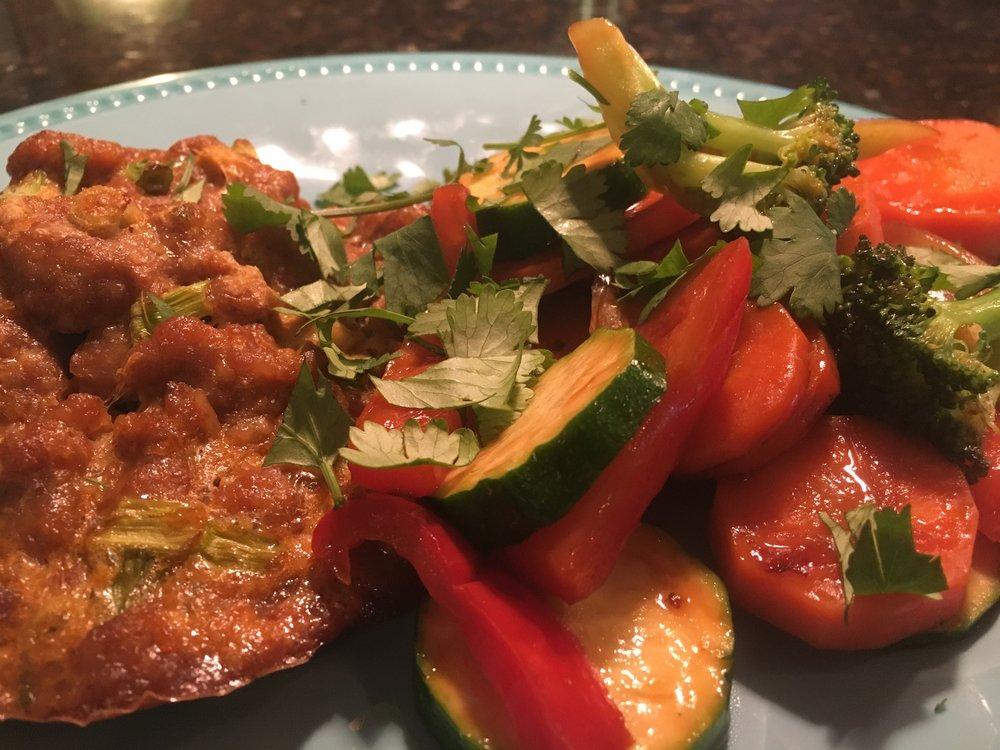 Individual Thai Meatloves w Stir-Fried Vegetables.JPG