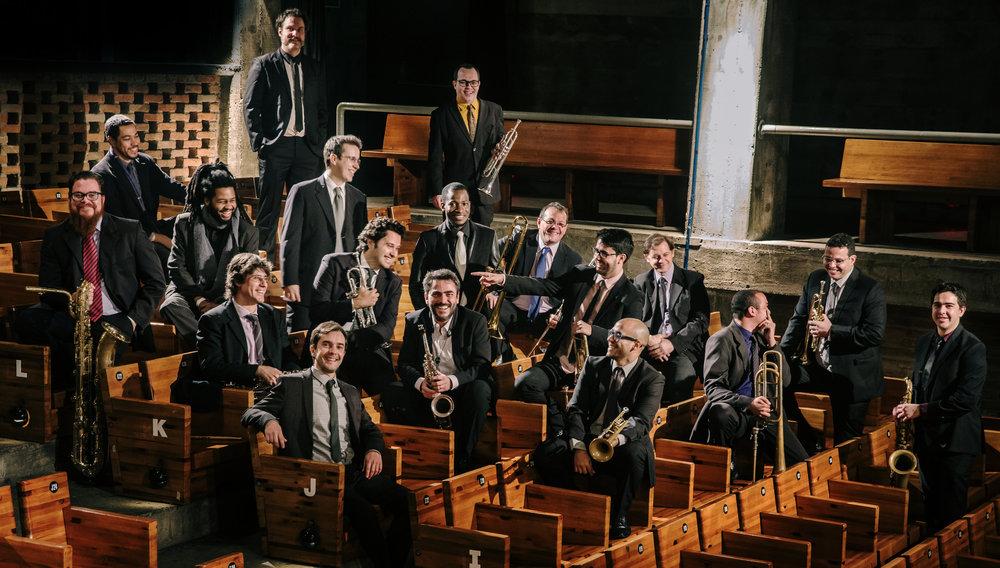 Rafael Piccolotto de Lima e Orquestra Urbana no SESC POMPEIA, São Paulo, Brasil. 2016.