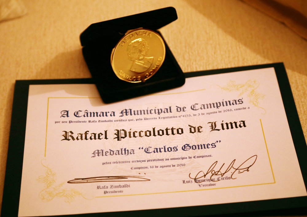 Carlos Gomes honors medal given to Rafael Piccolotto de Lima. Campinas, São Paulo, Brazil.