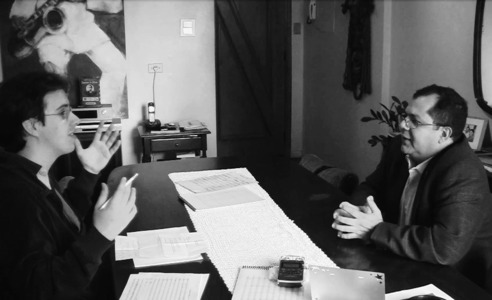 """Rafael Piccolotto de Lima entrevistando o compositor e arranjador Nailor Azevedo """"Proveta"""" (São Paulo, Brasil, 2011)"""