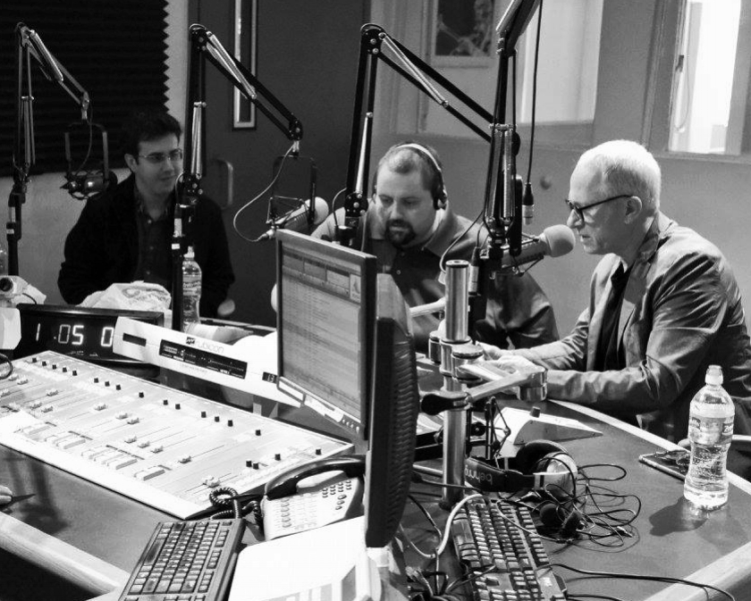 Rafael na WDNA radio com compositor vencedor do Oscar, James Newton Howard.