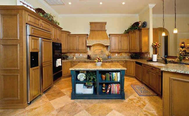 Kitchen 2 BIG.jpg