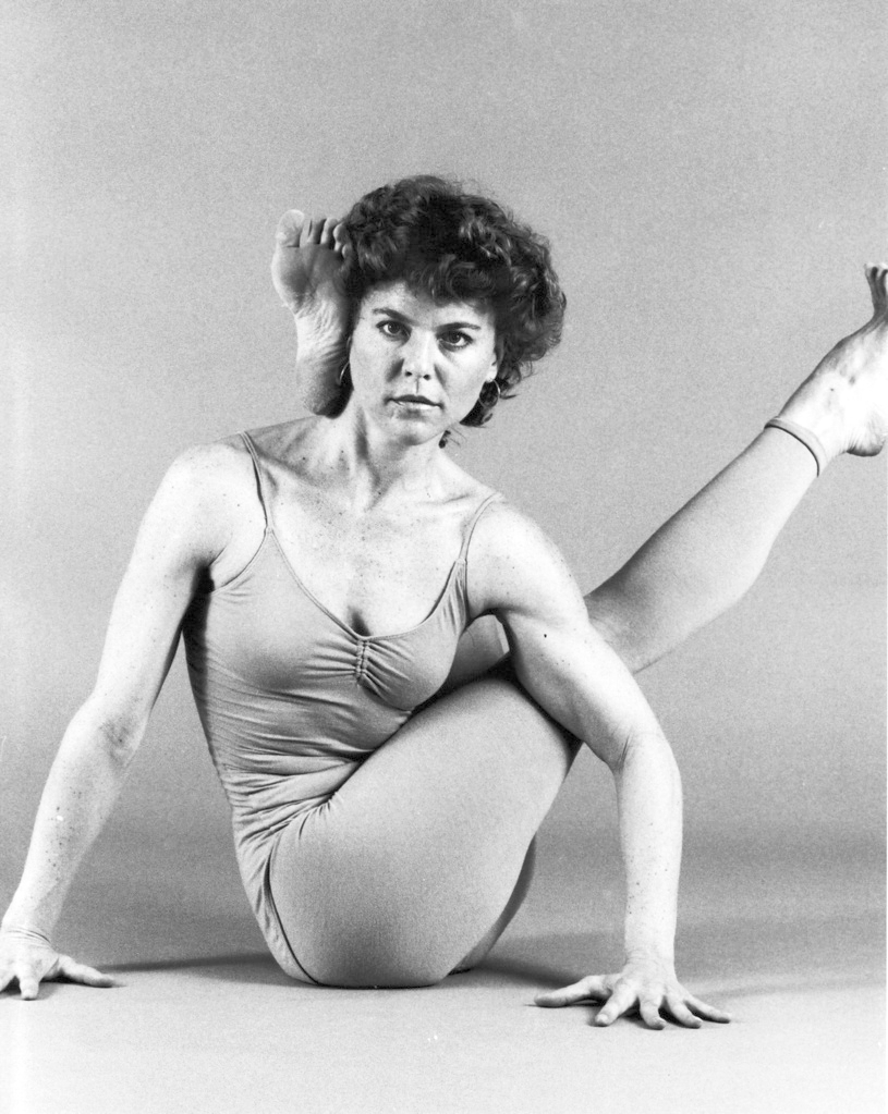 patty-townsend---1985---eka-pada-sirsasana-with-a-twist_7552995668_o.jpg