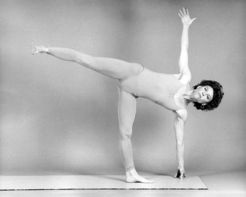 patty-townsend---1985---ardhchandrasana_7553027432_o.jpg