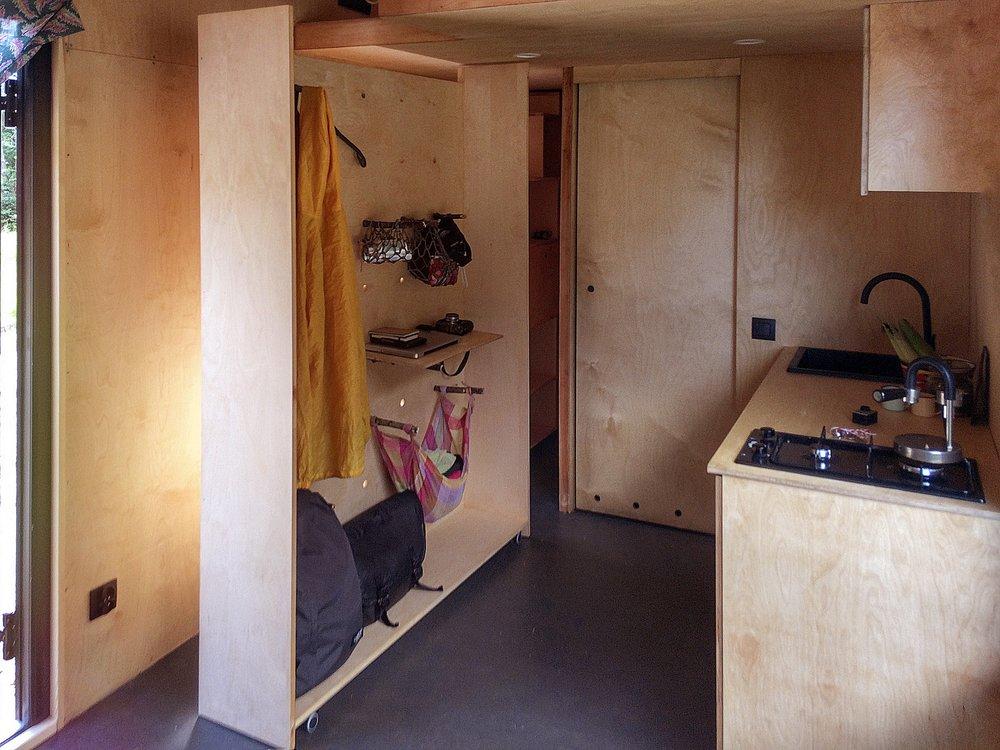 in_modular_wardrobe2.jpg