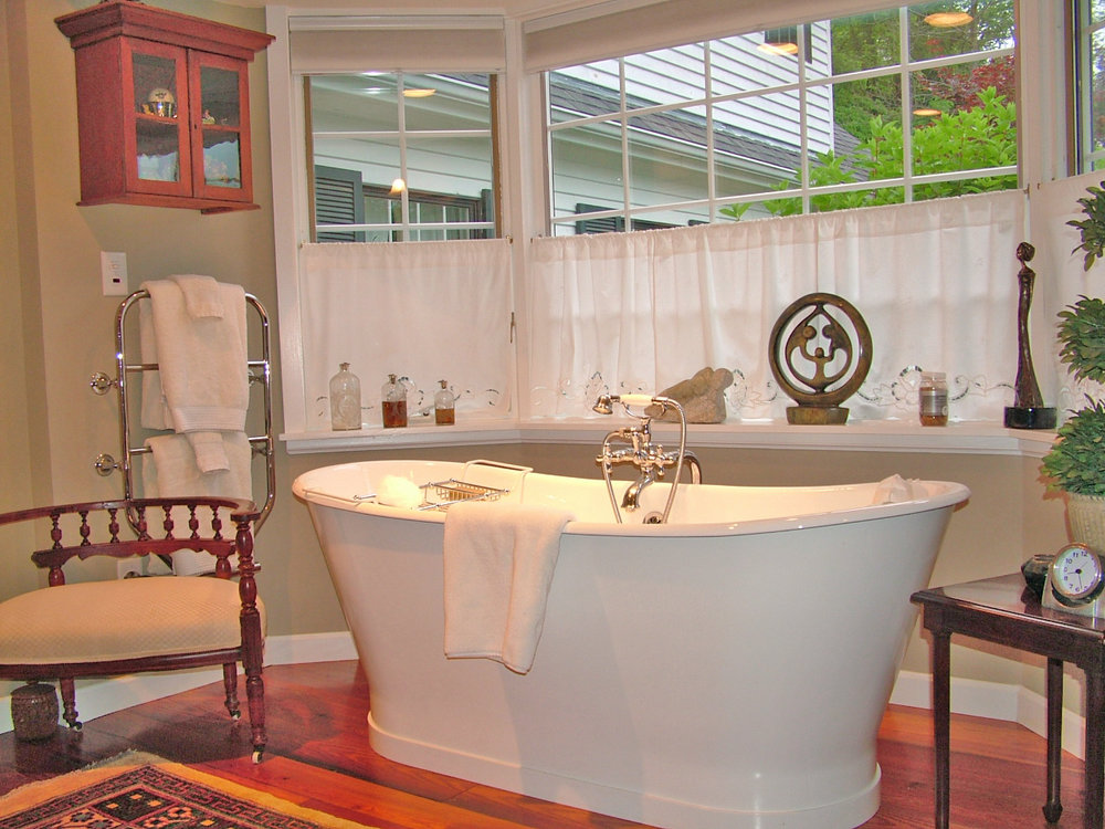 Berllan Glyn Italian Soaking Tub - Adjusted.jpg
