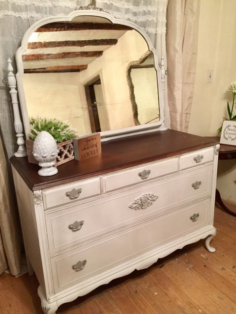 by Teacia Ross of New Life Refurbished Furniture, Wrightsville, PA