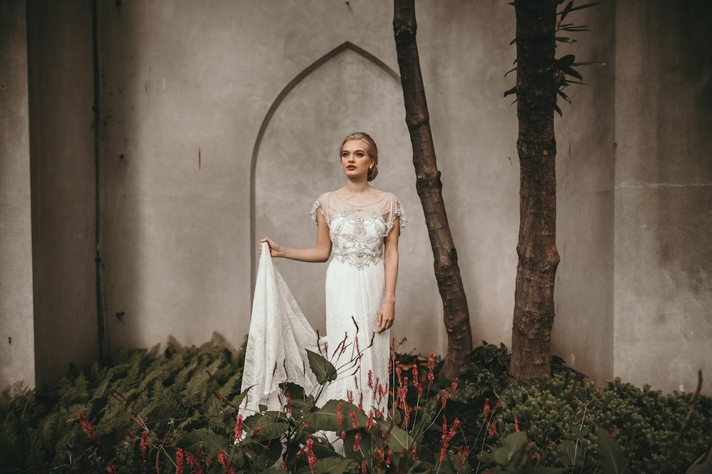 anna_campbell_secret-garden_12.jpg