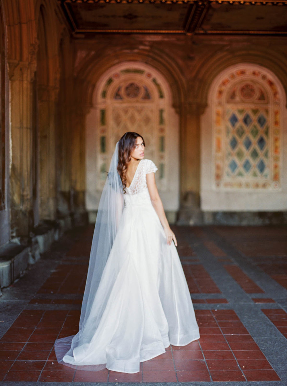 Anna Campbell Bridal chapel length Ashantha Veil without Blusher