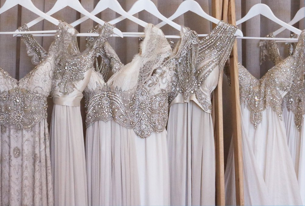 ANNA CAMPBELL BRIDAL | HIGH STREET ARMADALE BOUTIQUE | WEDDING DRESSES AND BRIDAL ACCESSORIES
