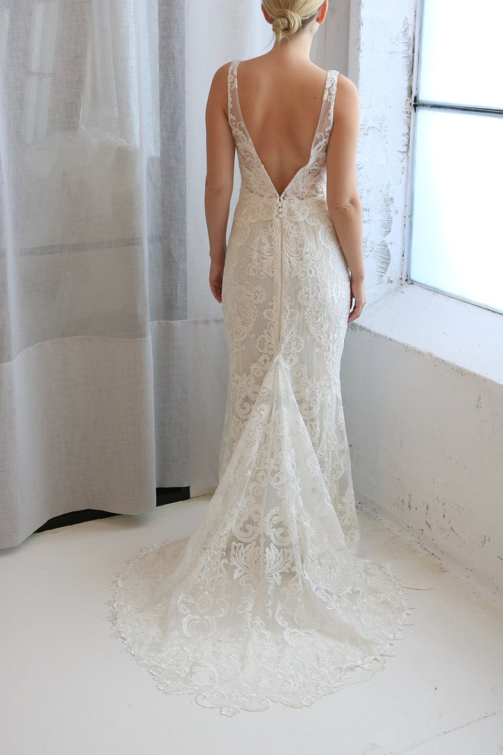 Anna Campbell Bridal | Harlow wedding dress | Modern lace with a low open back