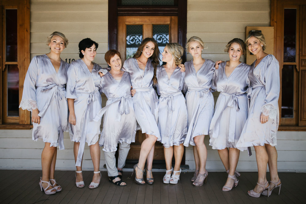 Anna with her best ladies! Love Anna's silk robes? Find them  here !
