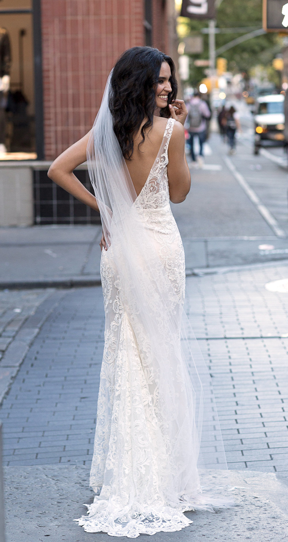 7. How much are Anna Campbell veils? - We know that weddings are expensive and finding your dream dress is obviously the number one priority!This is why we have priced our veils starting from AUD$199, which hopefully means more Anna Campbell brides can enjoy the little luxury of a beautiful wedding veil, that perhaps one day you can pass on to future generations!Find your veil in our e-boutique now!