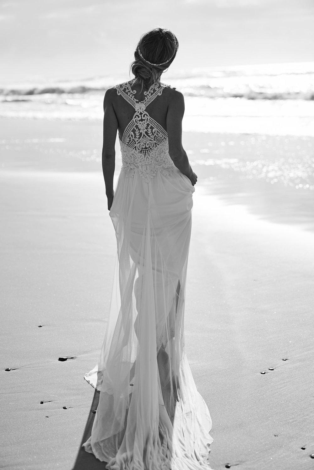 https://www.annacampbell.com.au/winter-dress