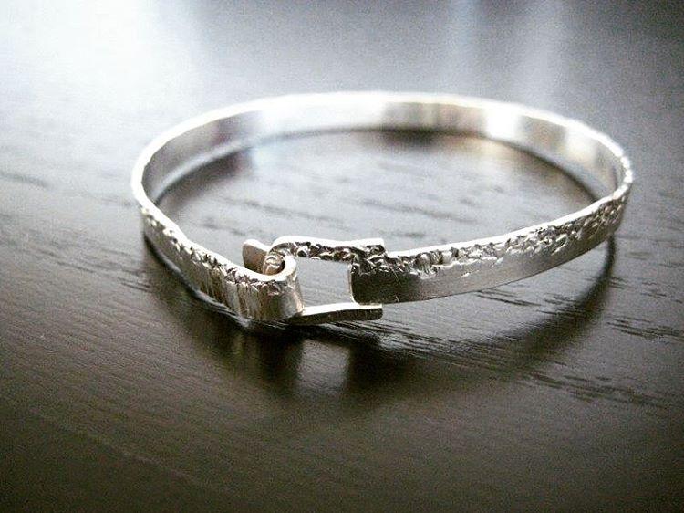 Silver hammered textured bracelet