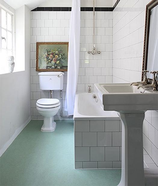 natural linoleum in bathroom.jpg