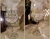 New Year's Eve Wine Glasses, 2015 New Year Wine Glass, Vinyl Decorated Wine Glass, Cheers to the new year, Hello 2015,Party favor wine glass