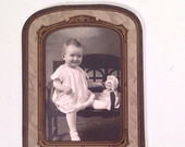 vintage photograph - girl baby - black and white - 1920s