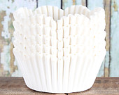 White Petal Cupcake Liners, White Scallop Edge Cupcake Liners, Wedding Cupcake Liners, Paper Cupcake Liners, White Paper Liners (50)