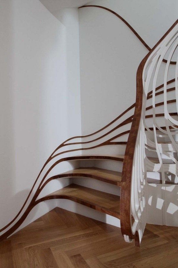 Stylish-Curved-Staircase-with-Organic-Form-600x900
