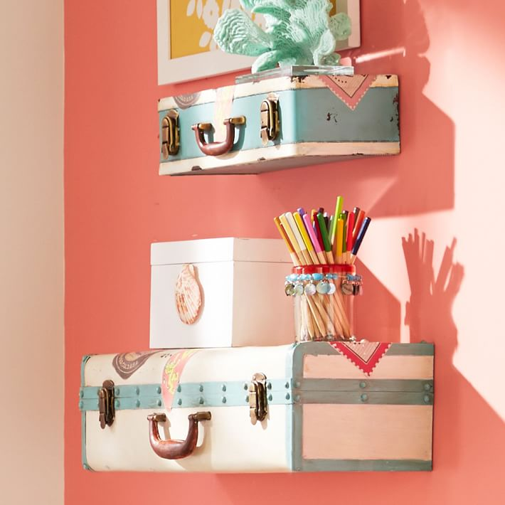 travelers-suitcase-shelving-o