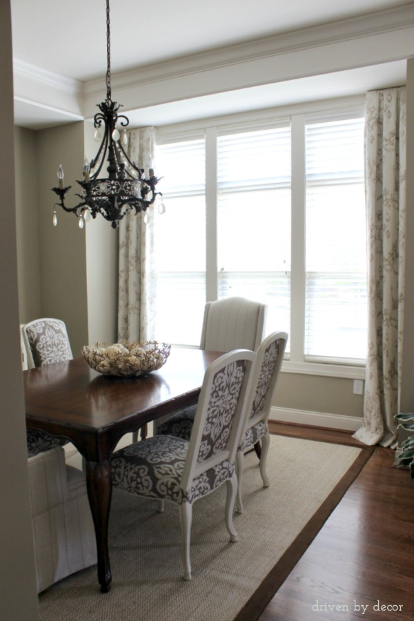 Simple-dining-room-drapes-for-framed-windows
