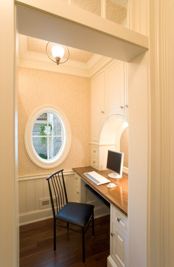 small-traditional-home-office